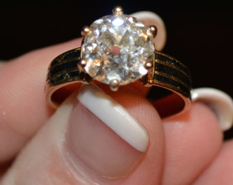 HUGE - 2.90ct Estate/Vintage Diamond Ring with Amazing Fire and Sparkle - Value is approximately USD  -28,400 -  Offers Welcome