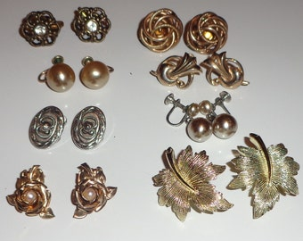 Vintage lot of screw back and clip on earrings all wearable*