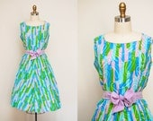 Vintage 1950s Pastel Printed Swing Dress / 50s Day Dress / Sleeveless / Tie Waist / Large-XL