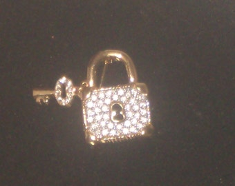 Sparkly vintage LOCK and KEY BROOCH