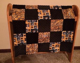 "Mizzou patchwork baby quilt 30x34"""