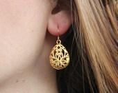 Gold Filigree Teardrop Earring