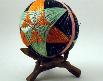 Japanese Temari Ball - Mutsuba (six leaves) Design