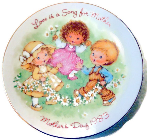 Love is a Song for Mother - Avon Collector Plate - 1983 Mother's Day  @LootByLouise