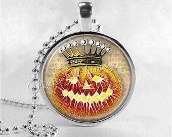 VINTAGE HALLOWEEN Necklace, Jack O Lantern Necklace, Crown, Jack O Lantern, JOL, Pumpkin, Glass Photo Art Necklace, Halloween Jewelry