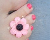 Toe Ring - Pink Daisy - Flower Button - Stretch Bead Toe Ring