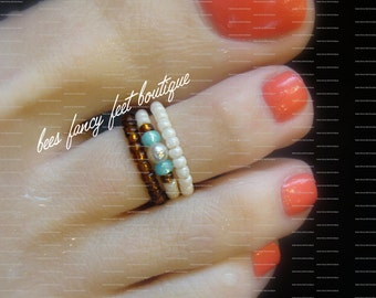 Stacking Toe Ring - Milky Peridot - Cream Pearls - Topaz Stretch Bead Toe Ring