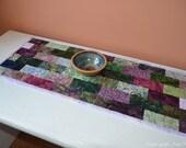 Purple batik table runner. Quilted table runner using Hoffman Bali Batiks. Batik fabric table decor, purple decor, purple table topper UK