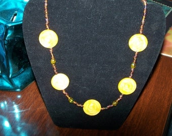 yellow necklace, yellow MOP, round shell necklace, shell necklace, lemon yellow necklace