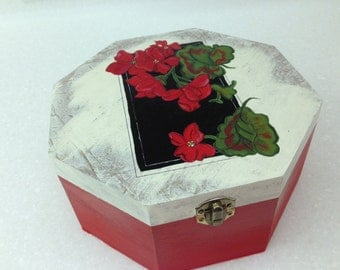 """8 1/4"""" x 8 1/4"""" x 4"""" Solid Wood Octagon Shaped Box, with Hinged Lid.  Geraniums painted with acrylics on top."""