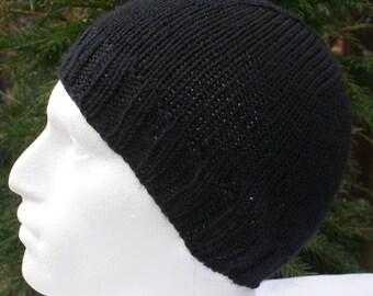 Men's black beanie