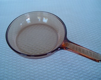 Vintage Vision Ware 7 Inch Waffle Pattern Skillet, Glass Skillet, Corning Ware