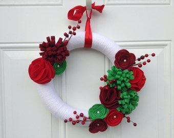Christmas Wreath, Yarn Wreath, red, white and green Felt Flowers, Floral Wreath, Winter Wreath, holiday Wreath 12 inches