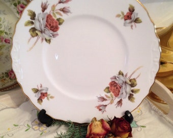 Vintage Royal Vale Cabbage Rose Cake Plate. CP026