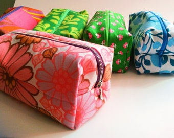 Handmade make up bag, toiletry bag in pink, floral genuine vintage fabrics. Swedish retro fabric. gift for her