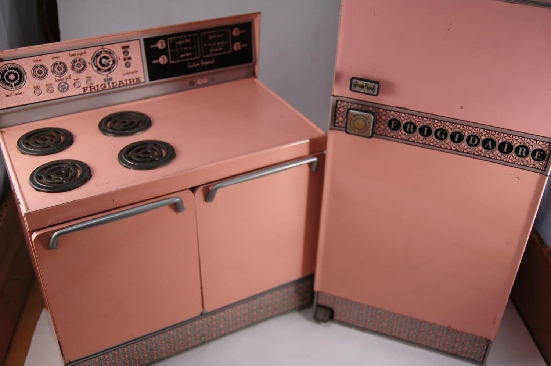 Sale vintage pink tin kitchen appliance toys frigidaire - Kitchen appliances sale ...