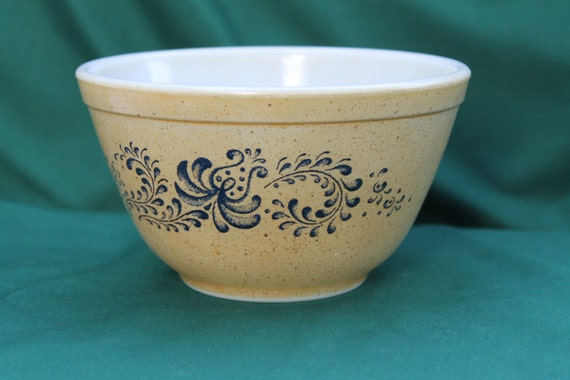 Vintage Pyrex 401 Homestead Brown And Blue By Julesoldjewels