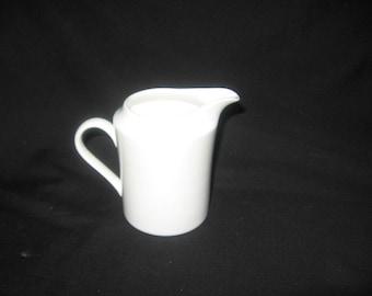 "Lenox White Creamer ""Decor"" China/Porcelain/Dinnerware/Kitchenwares/Coffee/Tea Set/Ceramics"