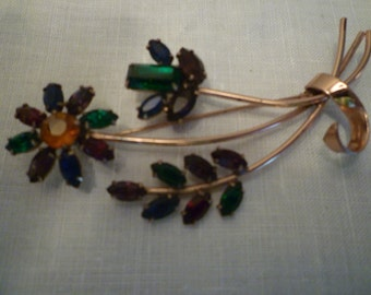 Jewelry. VINTAGE 'CORO' BROOCH. Sterling Silver. Gold Vermeil Finish. Fablous Colors. Elegant. Collectable Early 'Coro' Piece