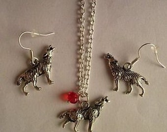 wolf necklace wolves charm necklace