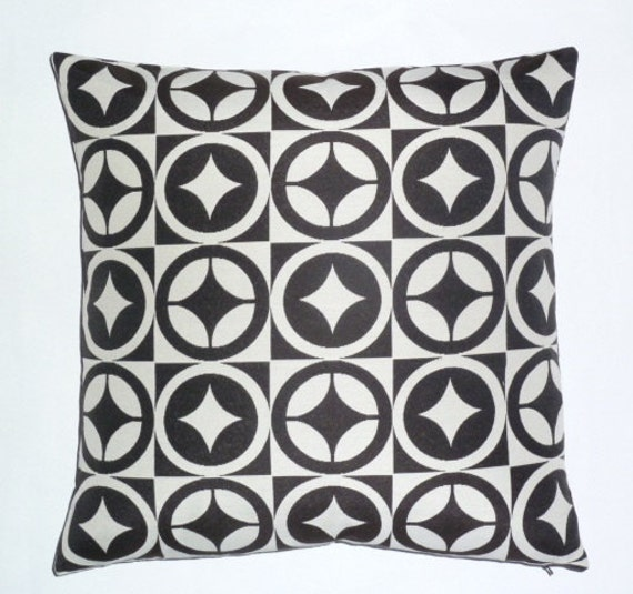 Maia Modern Pillows : Bold Modern style Accent throw Pillow 17 x 17