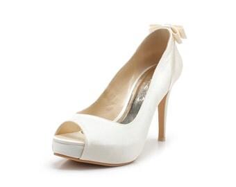 Desiree, Ivory White Lace Wedding Shoes,Ivory White Bridal Heels,Ivory Whit Wedding Shoes with Back Bow, Ivory White Satin Bridal Heels