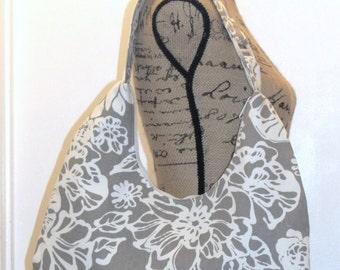 Hobo Bag / Zippered Hobo Bag / Hobo Purse / Zippered Hobo Purse / Shoulder Bag / Handbag / Purse /Toupe and Natural Floral