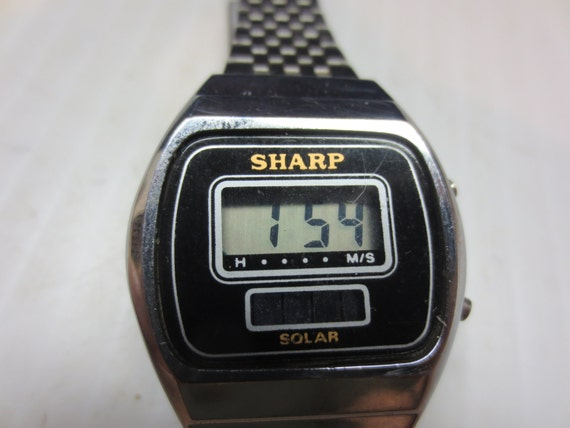 vintage 1970s 1980s sharp digital solar wrist