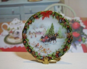 Christmas Times Miniature Plate for Dollhouse 1:12 scale
