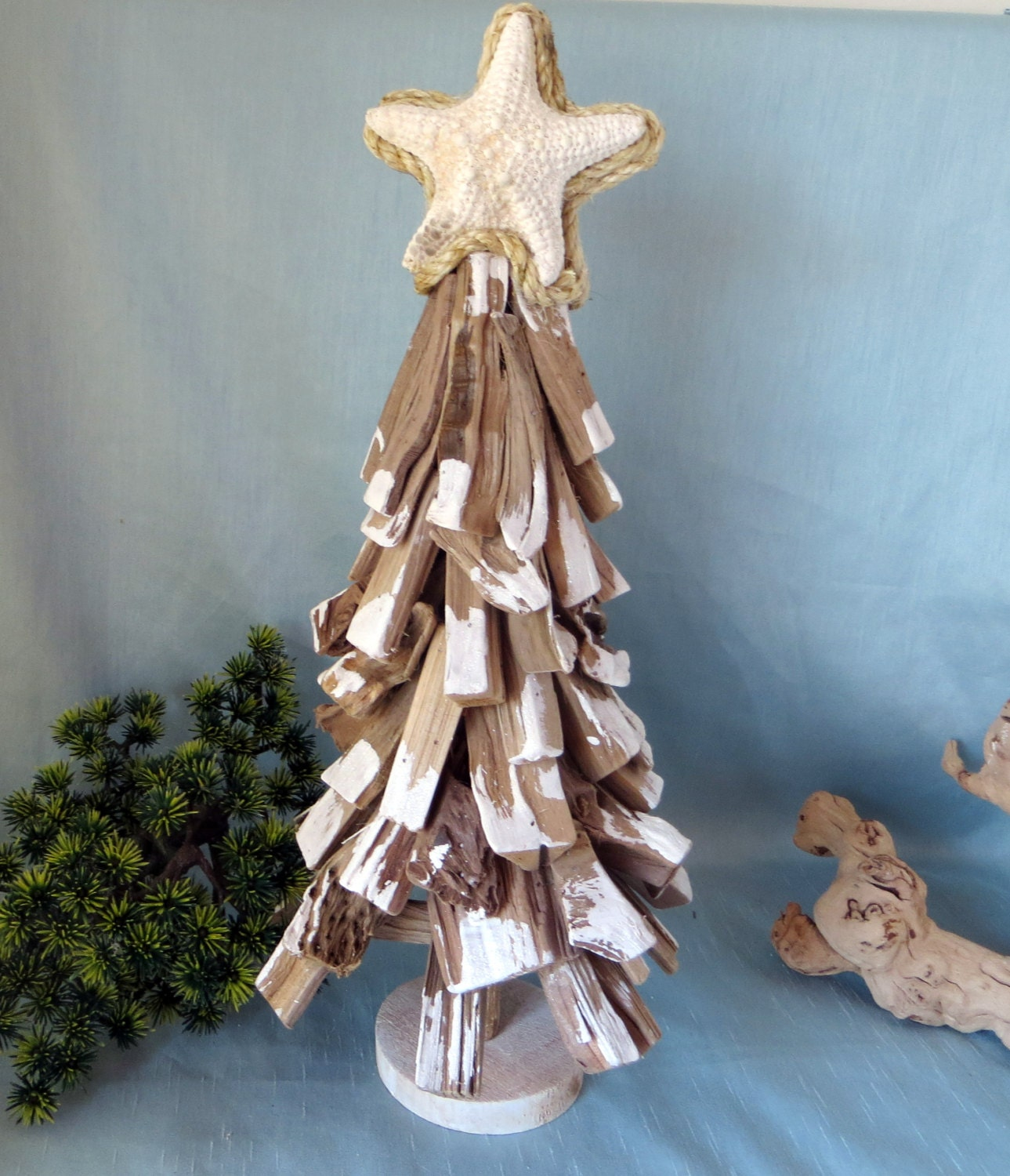 Hawaiian Christmas Tree Topper: Drift Wood Christmas Tree With Star Fish Topper_20 Inches