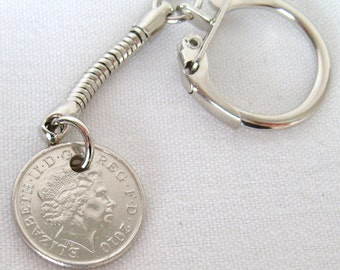 2010 British Five Pence Coin Keyring Key Chain Fob Queen Elizabeth II