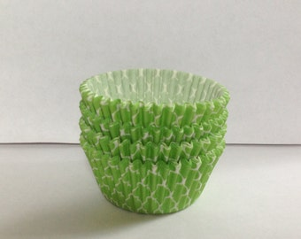 50 count - Greaseproof Lime Green Quatrefoil standard size cupcake liners/baking cups
