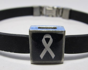 Lung Cancer Awareness Pearl White Ribbon Link With Choice Of Colored Band Charm Bracelet