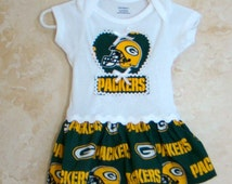 NFL Appliqued One piece Romper, Green Bay Packers Onesie, Green Bay Packers Baby Tees, Sports Rompers, Rompers with skirt.