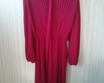 ON SALE Original price 25.99 - Vintage Red Chiffon 70's  dress
