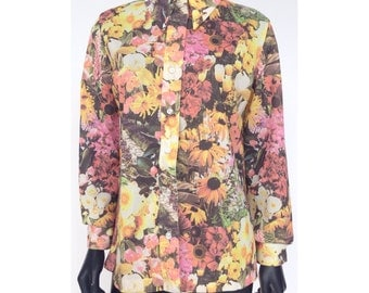 Vintage 70s All Over Field of Flowers Print Button Up Top