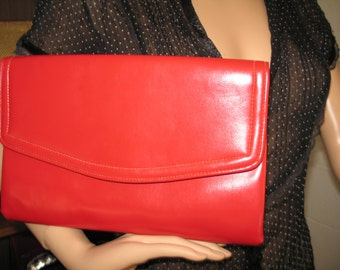 FREE SHIPPING! Blk 2-10***1980's RED vinyl clutch purse-Cuter Than Crap!