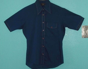 """Sale - all clothing! See shop announcement — 60s Vintage """"Towncraft"""" Cool Navy Sportshirt for Hipster Guys — Size M"""