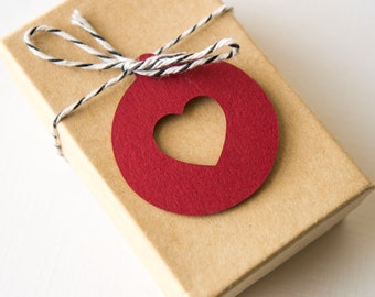 Round Tag with Heart Cut Out- Gift Tag- (30 tags)