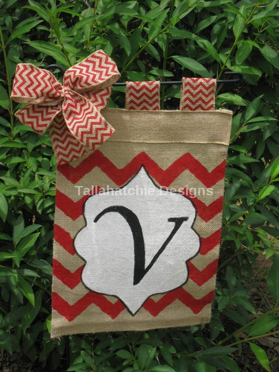 Personalized Burlap Garden Flag In Chevron Initial Garden