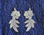 Bridal earrings: Ivory lace, flower and leaf design