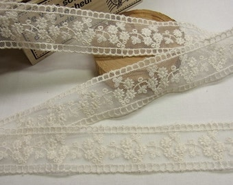 3 yards  VTG Style Embroidery scalloped Fabric Tulle Mesh Net Lace Trim 3cm wide #013