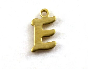 "5x Letter ""E"" Brass Initial Charms - M071-E"