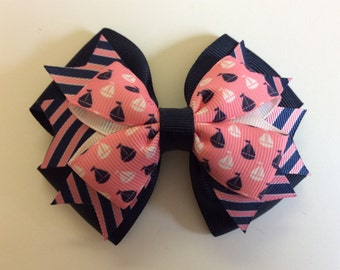 Sailboat Bow with Striped Spikes and Navy Base