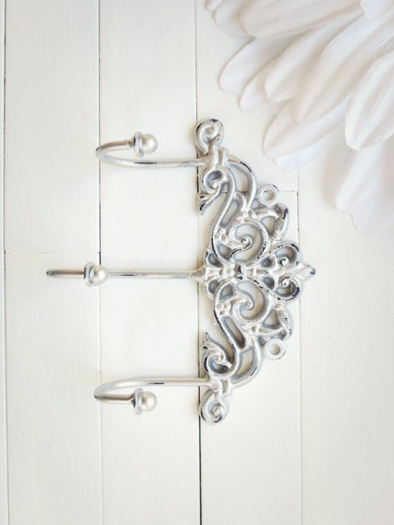 gift idea shabby chic wall hook wall hook by willowsgrace. Black Bedroom Furniture Sets. Home Design Ideas