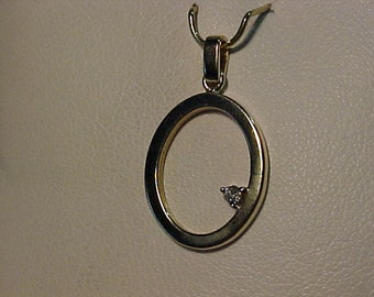 14k Oval shaped Pendant-with Diamond-7/8' ==FREE SHIPPING==
