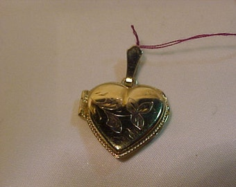 10k yellow gold locket-Very nice condition Professionally Polished-Mail to Continental USA or Canada