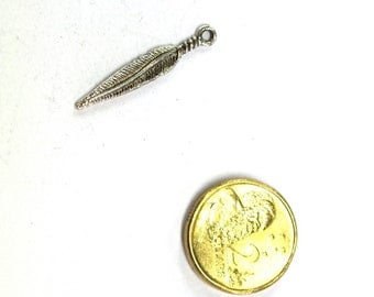 10 x Antique Silver Feather Charm