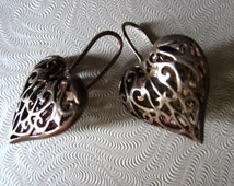 Vintage 1980's Art Nouveau 925 silver filigree caged heart wire drop earrings puff