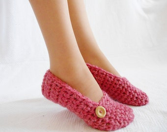 Wool slippers, crochet slippers, women slippers. Made to order.